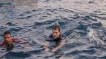 Kerala: मछुआरों संग राहुल गांधी ने पकड़ी मछली, समुद्र में लगाए गोते, तस्वीरें Viral