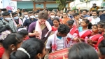 Assam Election: प्रियंका गांधी का अलग अंदाज, जब लड़कियों के साथ किया 'झुमुर' डांस, देखें Video