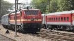 रोल ऑन-रोल ऑफ सेवा के तहत महाराष्ट्र सरकार को तरल ऑक्सीजन पहुंचाएगा रेलवे
