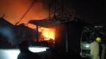 Delhi News: दिल्ली में शास्त्री पार्क के फर्नीचर मार्किट में लगी भीषण आग, 250 दुकानें जलकर खाक