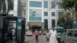 दिल्ली: एक महीने में कोरोना की चपेट में आए अस्पताल के 80 कर्मचारी, सर्जन की हुई मौत