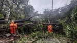 Cyclone Tauktae:  23 साल बाद गुजरात में इतना भयानक तूफान, दीव से अभी 220 किमी दूर