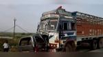 गुजरात में बड़ा हादसा: ट्रक वैन की टक्कर, बच्चे समेत एक ही परिवार के 10 लोगों की जान गई