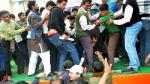 2015 में TMC सांसद को थप्पड़ मारने वाले देवाशीष बनर्जी की अस्पताल में मौत, गुरुवार को हुआ था हमला