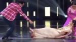 Video: झड़प के बाद भारती ने एक्ट्रेस नोरा फतेही को स्टेज पर घसीटा, पति हर्ष को भी दिया धक्का, वायरल Viral