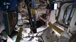 स्पेस में कसरत करते अंतरिक्ष यात्री का वीडियो हुआ वायरल, हेल्थ के प्रति लापरवाह जरूर देखें
