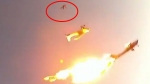 Video: 2 विमानों के बीच हुई खौफनाक टक्कर, हजारों फीट की ऊंचाई से गिरने लगे यात्री