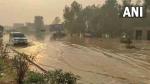 बारिश से मुरादाबाद का हाल-बेहाल, पानी भरने से दिल्ली-लखनऊ हाइवे पर गाड़ियों का रोका गया