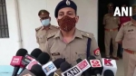 CM योगी के इवेंट में रिवाल्वर लेकर पहुंचा था शख्स, लापरवाही के लिए चार पुलिसकर्मी सस्पेंड