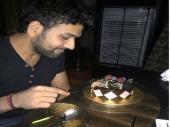 जब बर्थडे ब्वॉय रोहित शर्मा के फेस पर भज्जी ने पोता केक...