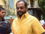 एक नेता ने करोड़ों रुपए की सोने शर्ट पहनी, गरीब मर रहे हैं