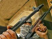 कश्मीर: मुठभेड़ में घिरे आतंकी बेटे से मां ने कहा- मर जाना लेकिन सरेंडर नहीं करना