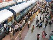 सेना में भर्ती के लिए जा रहे अभ्यर्थियों ने ट्रेन पर किया कब्जा, यात्रियों के साथ मारपीट, गाली-गलौज