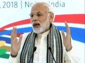 मोदी ने किया नोएडा सैमसंग फैक्ट्री का उद्घाटन, बोले- इससे मेक इन इंडिया को गति मिलेगी
