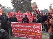 मजदूर संगठनों का दावा, 20 करोड़ लोग सरकार की नीतियों के खिलाफ हड़ताल में शामिल