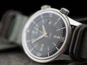 दिग्गज कंपनी ने अपने कर्मचारियों को बांटी घड़ी, कर्मचारी बोले- हमें तो कैश या कार की उम्मीद थी