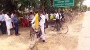 ना बैंड-बाजा, ना डीजे, 10 KM साइकिल चलाकर दुल्हन के घर पहुंचा 'रईस' खानदान का दूल्हा