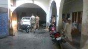 बिजनौर: मदरसे में पुलिस ने पकड़ा अवैध हथियारों का जखीरा, संचालक समेत 6 गिरफ्तार