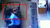 VIDEO: दूसरी मंजिल से गिरा मासूम, नीचे से गुजर रहे रिक्शे में फंसकर बची जान