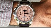 222 करोड़ रुपये में बिकी दुनिया की सबसे महंगी घड़ी, जानें क्या है इसमें खास
