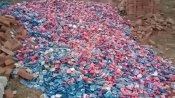 कंडोम का जखीरा लखनऊ कानपुर नेशनल हाईवे के किनारे मिला, भीड़ को रोकने पहुंची पुलिस