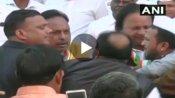 गणतंत्र दिवस कार्यक्रम में कांग्रेस नेताओं के बीच हुई थप्पड़ों की बरसात, सामने आया शर्मनाक Video