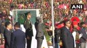 जम्मू-कश्मीर में लहराया तिरंगा, उपराज्यपाल बोले- ' 370 हटने से पूरे देश से जुड़ा राज्य'