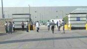 सैमसंग की नोएडा फैक्ट्री में आज से सीमित कामकाज शुरू