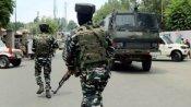 जम्मू कश्मीर के कुपवाड़ा में सुरक्षाकर्मियों का सर्च ऑपरेशन, हथियार और गोला-बारूद के साथ 3 गिरफ्तार