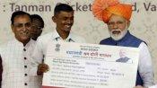 PM-SYM Yojana: मोदी सरकार हर महीने देती है 3000 रु, जानिए क्या है यह योजना, कैसे उठाएं लाभ