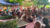 चंदौली: शहीद के शव के सामने BJP विधायक से भिड़े पूर्व विधायक, दी औकात में रहने की धमकी