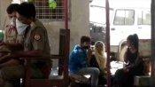 फतेहपुर में दो सहेलियों ने आपस में रचाई शादी, दुल्हन की मां बोली- हम इस शादी से राजी है
