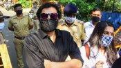 अर्नब गोस्वामी के अंदाज में मुंबई पुलिस ने अब रिपब्लिक टीवी के एवीपी को उनके घर से उठाया