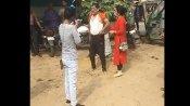 जालौनः कांग्रेस जिलाध्यक्ष की लड़कियों ने सरेराह चप्पलों से की पिटाई, वीडियो वायरल