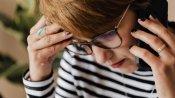 कैसे कॉल्स और एसएमएस से किया जाता है उत्पीड़न, VIDEO में महिलाओं ने सुनाई अपनी सच्ची कहानी