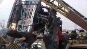 कौशांबी: सड़क किनारे खड़ी स्कॉर्पियो के ऊपर पलटा बालू लदा ट्रक, 8 की मौत