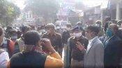MLC Election 2020: मैनपुरी में पोलिंग बूथ के पास भाजपा और सपा समर्थकों के बीच फायरिंग, जांच में जुटी पुलिस