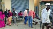 Karnataka Local Body Elections: पहले चरण की वोटिंग जारी, मतदान केंद्रों पर दिख रही भीड़