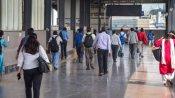 किसान आंदोलन को लेकर दिल्ली मेट्रो में बांटे पर्चे, CISF ने ट्रेन से उतारा