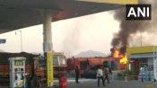 अजमेर में खालसा पेट्रोल पंप पर गैस रिफलिंग के दौरान ब्लास्ट, वाहन में चालक जिंदा जला, 10 लोग झुलसे