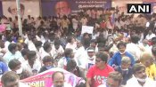 Tamil Nadu Election: चेन्नई में रजनीकांत के फैन्स का प्रदर्शन, सुपरस्टार से कर रहे ये मांग
