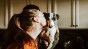 कुत्ते और उसके मालिक के ऐसे प्यार को देख भावुक हुए लाखों लोग