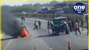 राजस्थान : जयपुर-अजमेर एनएच हाईवे 8 पर चलती वैन में लगी आग, चालक ने यूं बचाई जान
