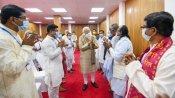 मतुआ समुदाय से 'मन की बात' करके पीएम मोदी ने ममता बनर्जी को बड़ा झटका दे दिया है?