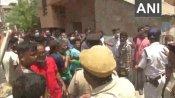 बंगाल चुनाव : वोटिंग के बीच TMC-BJP कार्यकर्ताओं में झड़प, जमकर चले पत्थर