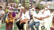 45 साल से ज्यादा उम्र के लोगों को आज से लगेगी कोरोना वैक्सीन, गुजरात में वैक्सीनेशन शुरू