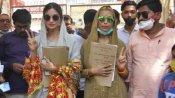एक्ट्रेस दीक्षा सिंह ने जौनपुर जिला पंचायत सदस्य के लिए किया नामांकन, देखें तस्वीरे