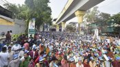 बंगाल: रैलियों में खचाखच भीड़ से उड़ रहीं कोरोना गाइडलाइन की धज्जियां, EC ने 16 अप्रैल को बुलाई सर्वदलीय बैठक