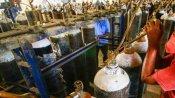 Dehradun: ऑक्सीजन लाइन पर बढ़ा प्रेशर तो अटक गई 100 मरीजों की जान, फिर अस्पताल प्रशासन ने किया ये काम