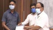तेज रफ्तार ट्रेन के सामने आए बच्चे की जान बचाने वाले प्वांइटमैन मयूर को रेल मंत्रालय देगा 50,000 रुपए